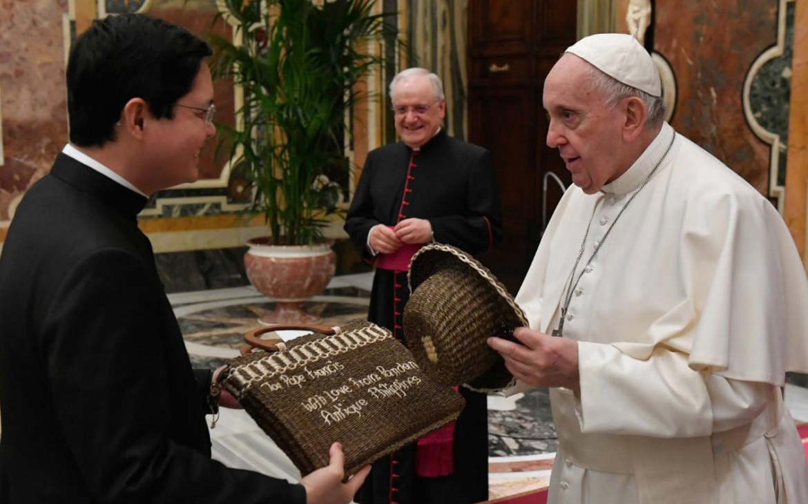 Filipino Priests in Rome in private audience with Pope Francis
