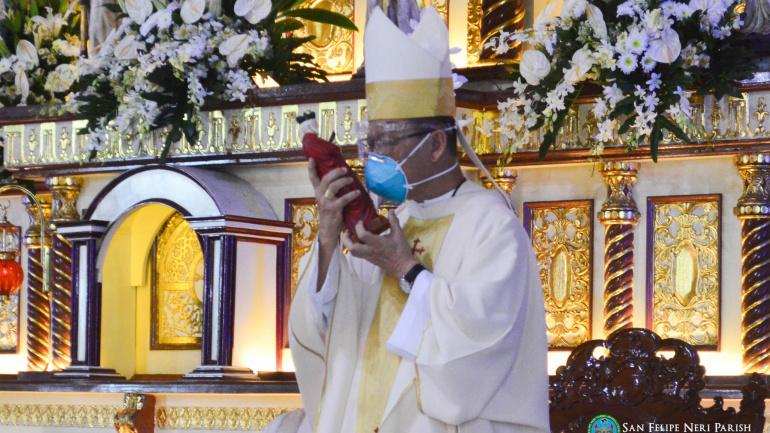 "Cardinal Advincula praises parish for providing material and psychological ""ayuda"""